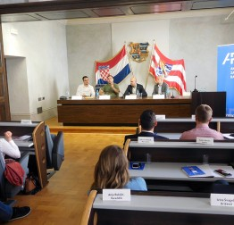 Sudjelovanje mladih i razvoj demokracije u lokalnoj zajednici