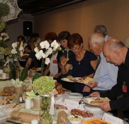 Druženje sudionika 22. Međunarodnog festivala čipke na tradicionalnoj Međunarodnoj večeri