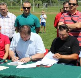 Potpisan ugovor za radove na rekonstrukciji velikog nogometnog igrališta u Lepoglavi