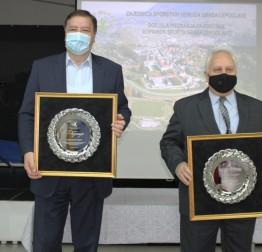 Zajednica sportskih udruga Grada Lepoglava dodijelila gradonačelniku Marijanu Škvariću i Vladimiru Ivanuši priznanja za posebne zasluge u sportu
