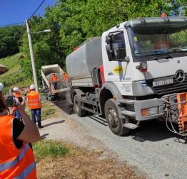 Uređena cesta u naselju Sestranec